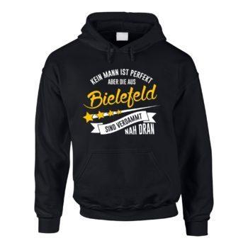 Herren Hoodie - Kein Mann ist perfekt aber die aus Bielefeld sind nah dran