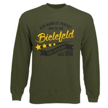 Herren Sweatshirt - Kein Mann ist perfekt aber die aus Bielefeld sind nah dran